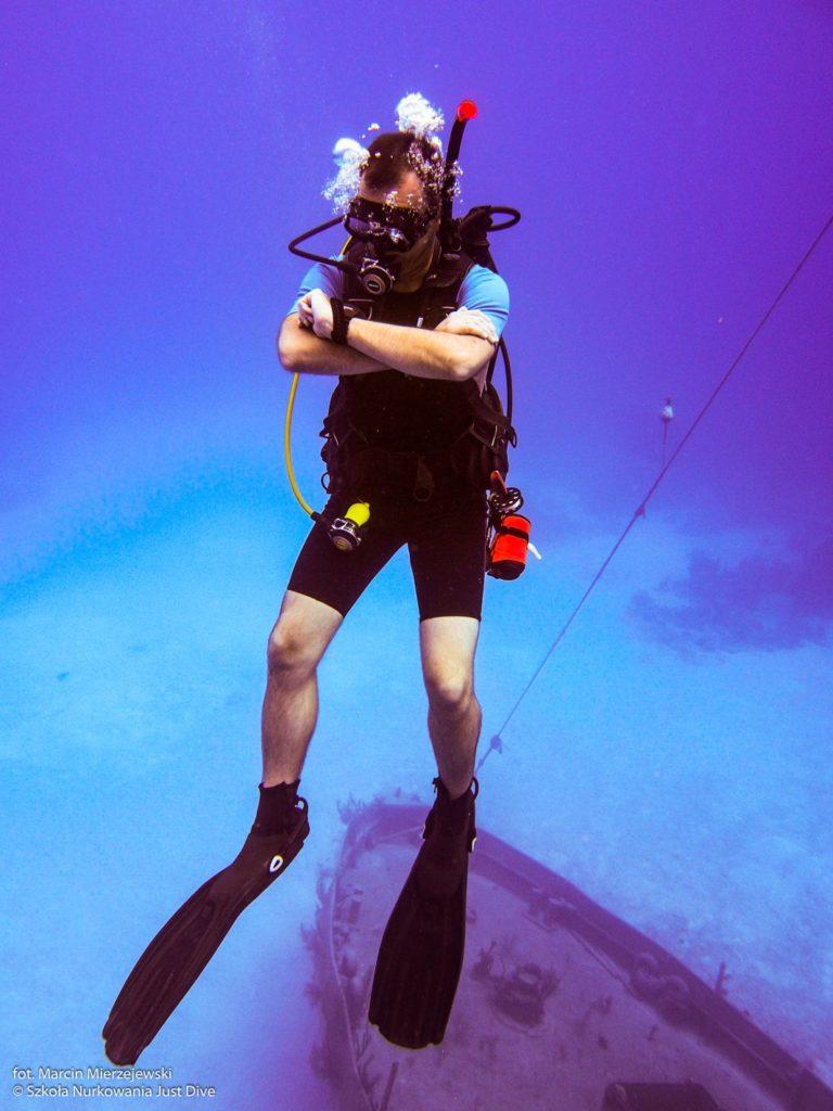 40 metórw głębokości